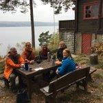 OFs ansatte, med kompetanse og ansvar for kystledhytter, friområder og kyststier er sammen med fagsjef for natur og friluftsveiledning på Heidehaugen i Bunnefjorden. Her er det store muligheter for mange aktiviteter. Men mye å ta tak i.