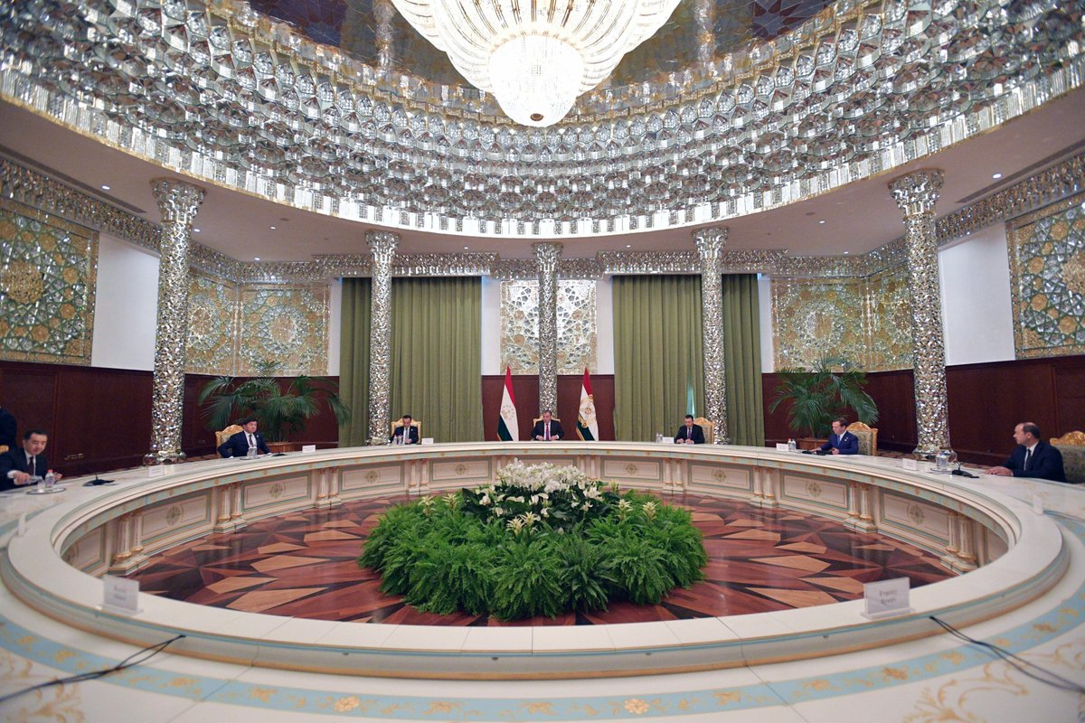 A meeting of the SCO Heads of Government Council is taking place in Dushanbe #SCO