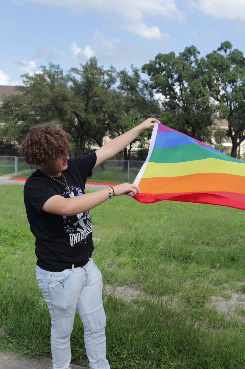 the baddest (bi)tch in all the land,, ya dig #NationalComingOutDay <br>http://pic.twitter.com/0niqiNjEjw