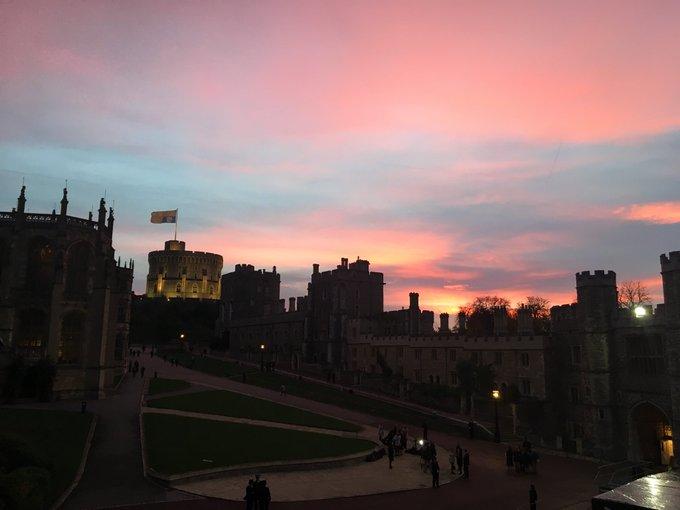 A beautiful sunrise over #WindsorCastle ahead of the #RoyalWedding @GMB Photo