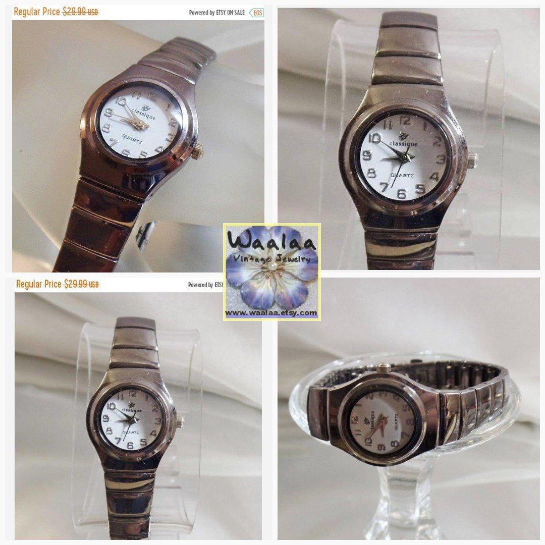 28945ec992e Ladies Watch. LJ Classique Watch. Ladies. Dark Silver Tone. White Face.  Quartz. Water Resistant. waalaa.  EcochicWojWaalaa  WlvTeamTvv  LadiesWatch  ...