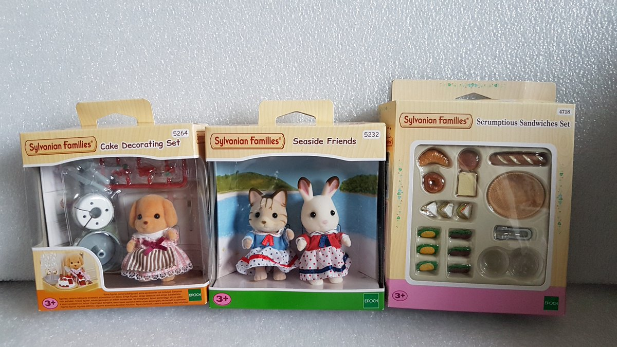 RT and Follow @V82CHRIS to #WIN these Gorgeous Sylvanian Families Sets worth over £35 in my #FreebieFriday Giveaway today.   Be Quick as it ends Sunday ( 14th Oct) night at 8pm.   #RTtoWin #FridayFeeling #Friday #Friyay #Competition #Giveaway  #ChrisComp #Freebie #Prize<br>http://pic.twitter.com/5mDM2wfqC1