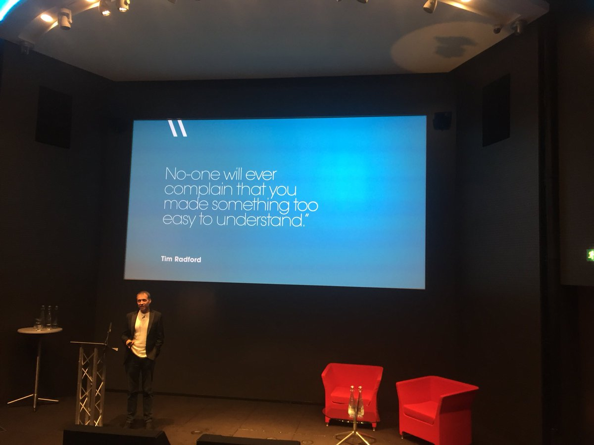 @Dr_Draper The Bloodhound of Bullshit sinking his teeth into corporate jargon. And not letting go until it's dead. Brilliant #CopyCon18 <br>http://pic.twitter.com/vgfsOtOgDs
