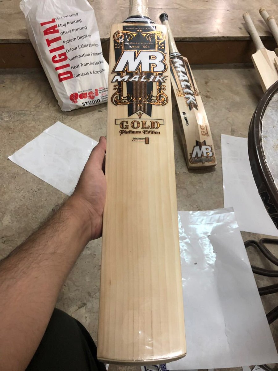 Some Lovely New Bats Been Prepared And Finished Off For A Luck Customer In Australia Cricket Mb Gold Pro Willow Simplytstpic Twitter