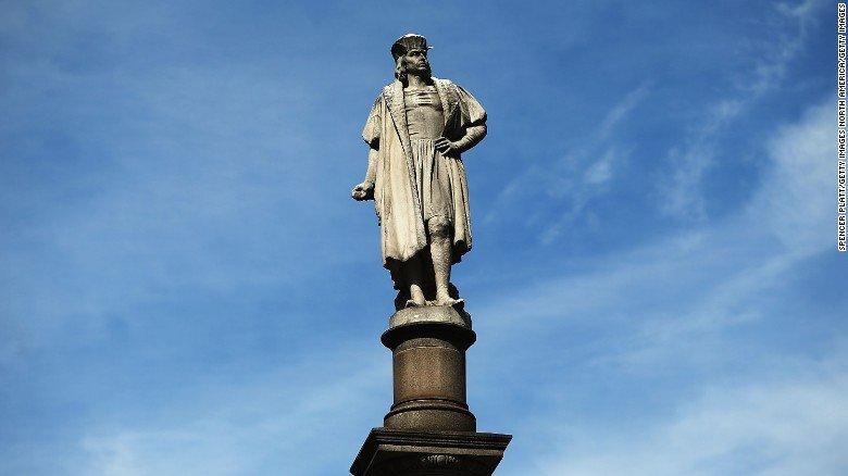 En Estados Unidos, cada vez más ciudades abandonan el Día de Colón, ¿por qué? https://t.co/LcBwaH95dU #12deOctubre https://t.co/qvvel9be4Y