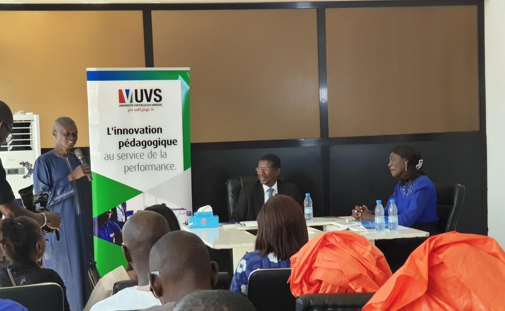 """Mot de bienvenue du Coordonnateur, Pr Moussa LÔ. La modération de cette rencontre littéraire """"A livre ouvert"""" avec le Pr Mary Teuw NIANE (MESRI) est assurée par Dr Nafissatou Dieng DIOUF @DioufDieng. #Kebetu #UVS #Sénégal  - FestivalFocus"""