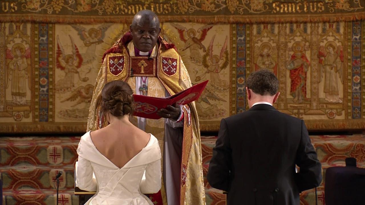 The Archbishop of York, @JohnSentamu, leads the prayers and blesses the couple. #RoyalWedding https://t.co/vsaHSlKmy6