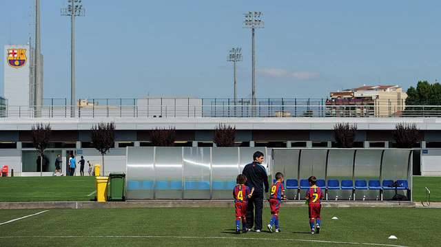 15 Akademi Sepakbola Terbaik di Eropa https://t.co/5QmYYOiKbr via @detik_foto https://t.co/rq4uHoLrkZ