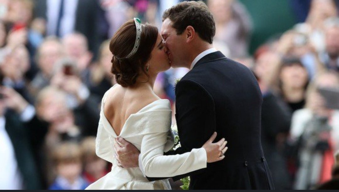 Princess Eugenie looked beautiful. What a lovely wedding 🥂
