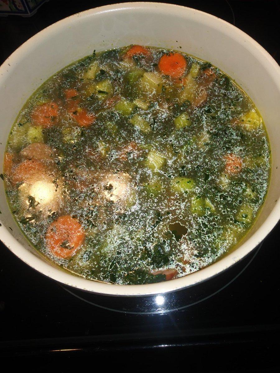 @FoodNetwork @guarnaschelli @GuyFieri German kale soup from scratch https://t.co/Tz0aoakOls