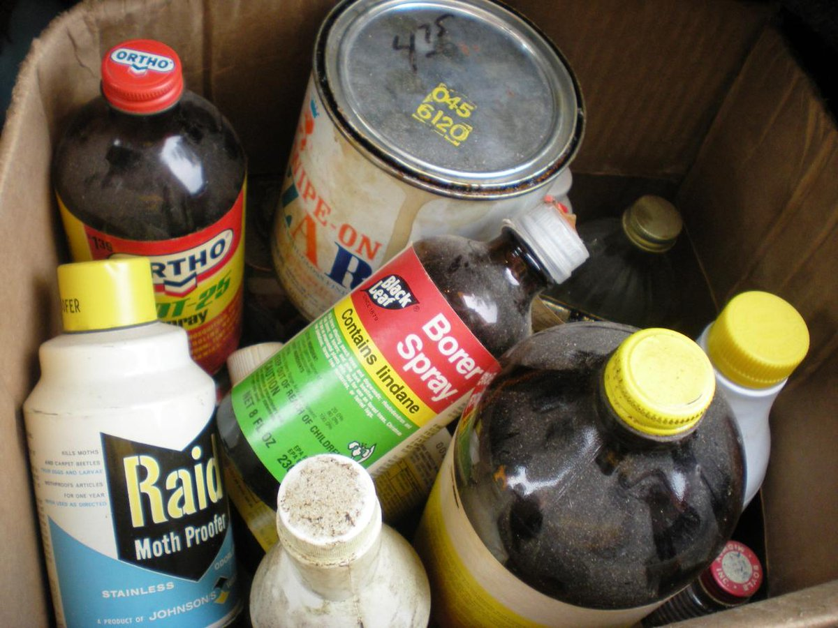 Do you have pool chemicals, propane fuel from camp, pest sprays, or other chemicals filling your garage from the summer? Collect them up and get ready for the Household Chemical Disposal tomorrow at Brady&#39;s Run in Beaver Falls!   https:// ecs.page.link/MBD9  &nbsp;   <br>http://pic.twitter.com/UbEg9UQaV3