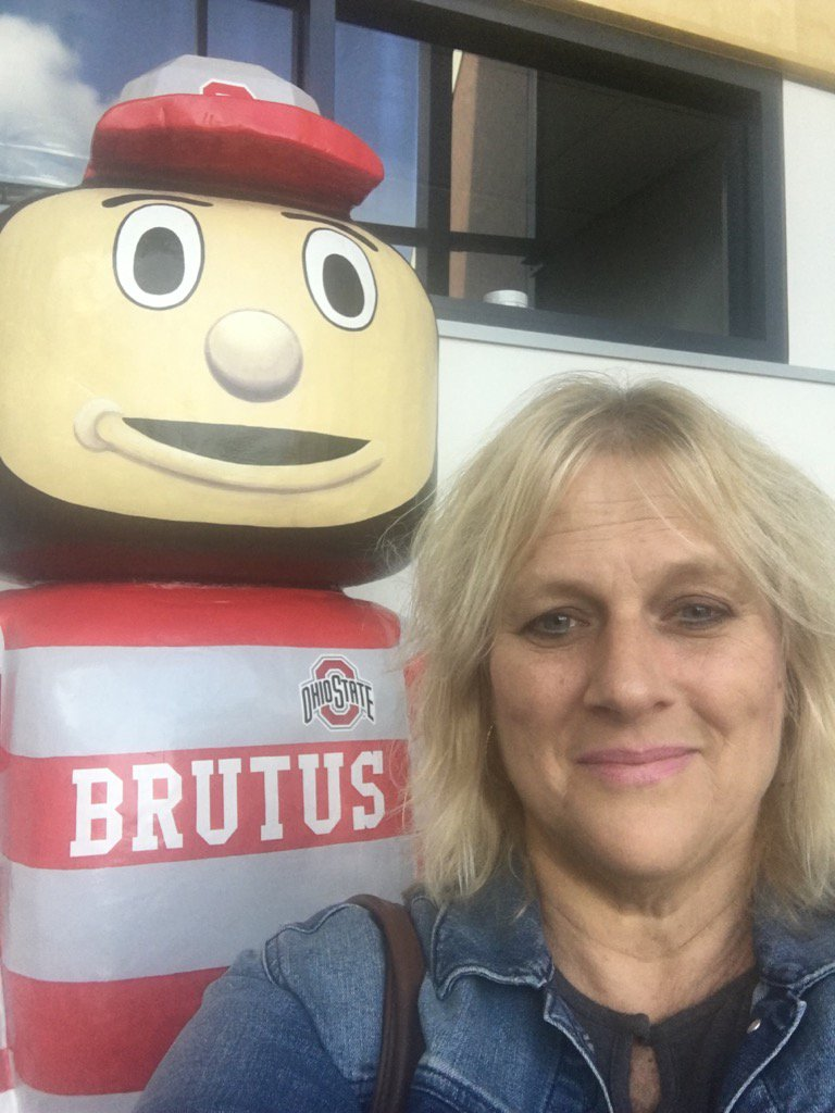 Twitter is celebrating: Brutus is back on The Queen