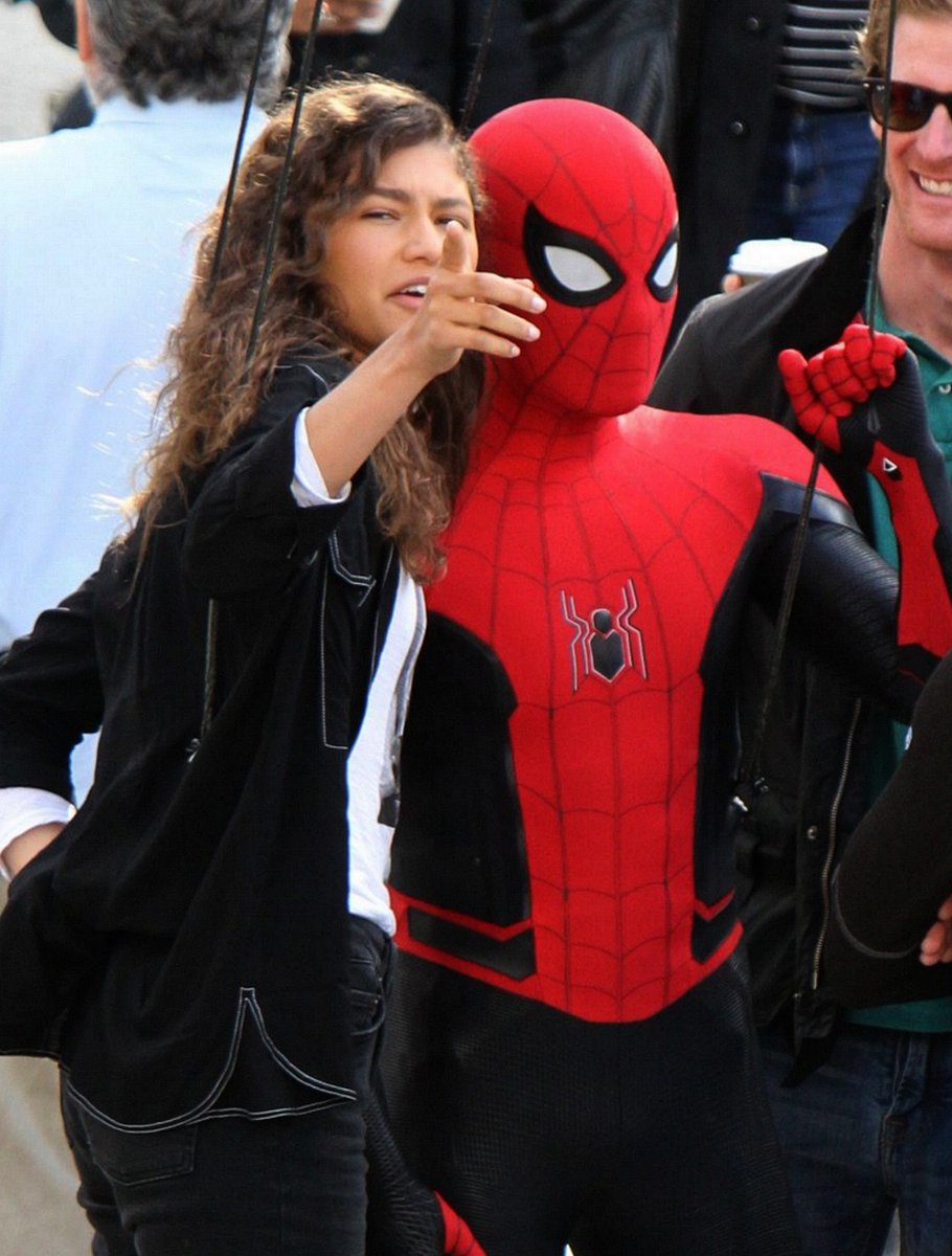 Spider-man : Far From Home - Page 2 DpUTW8LWsAA7XIx