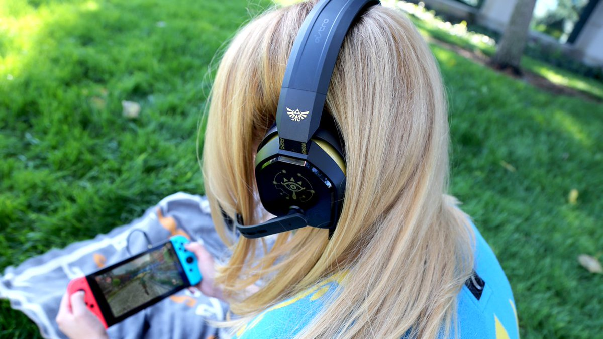 c23fa9e9de36ca Hear every sound, and chat with others with a #NintendoSwitchOnline  membership! https://www.astrogaming.com/headsets/A10.html?psids=A10-ZELDA-STANDARD  … ...