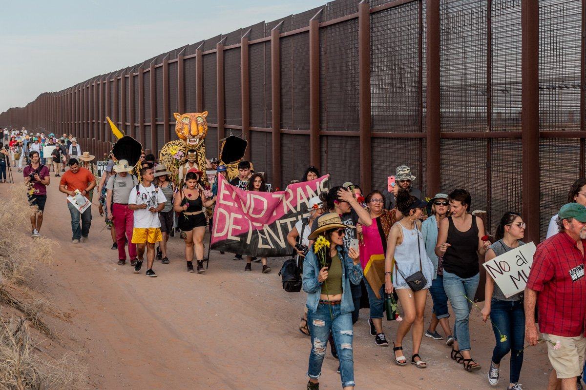 Federal politics unite unlikely coalitions at the #BorderWall. hcne.ws/2EeStef