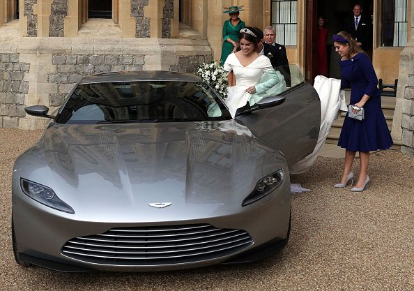 Congratulations to Princess Eugenie and Jack Brooksbank! Leaving Windsor Castle in the Aston Martin DB10, built especially for James Bond.  #RoyalWedding #AstonMartin #DB10 @007<br>http://pic.twitter.com/pyzLIRuJzs