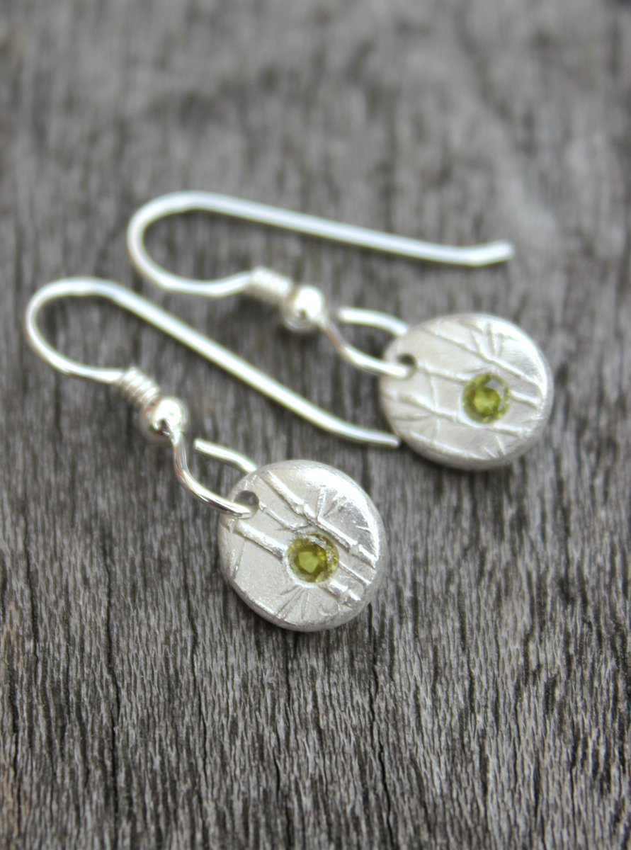 Littlesilverhedgehog On Twitter Solid Silver Peridot Pebble Earrings Matching Pendant Available Crafthour Https T Co Verjabs6k5