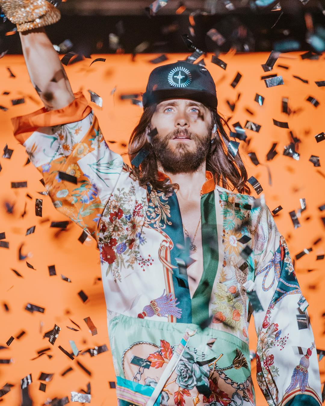 Raise your hands to the sky. #MonolithTour   https://t.co/dwPDbHDIwa https://t.co/MSUZKNwaxF
