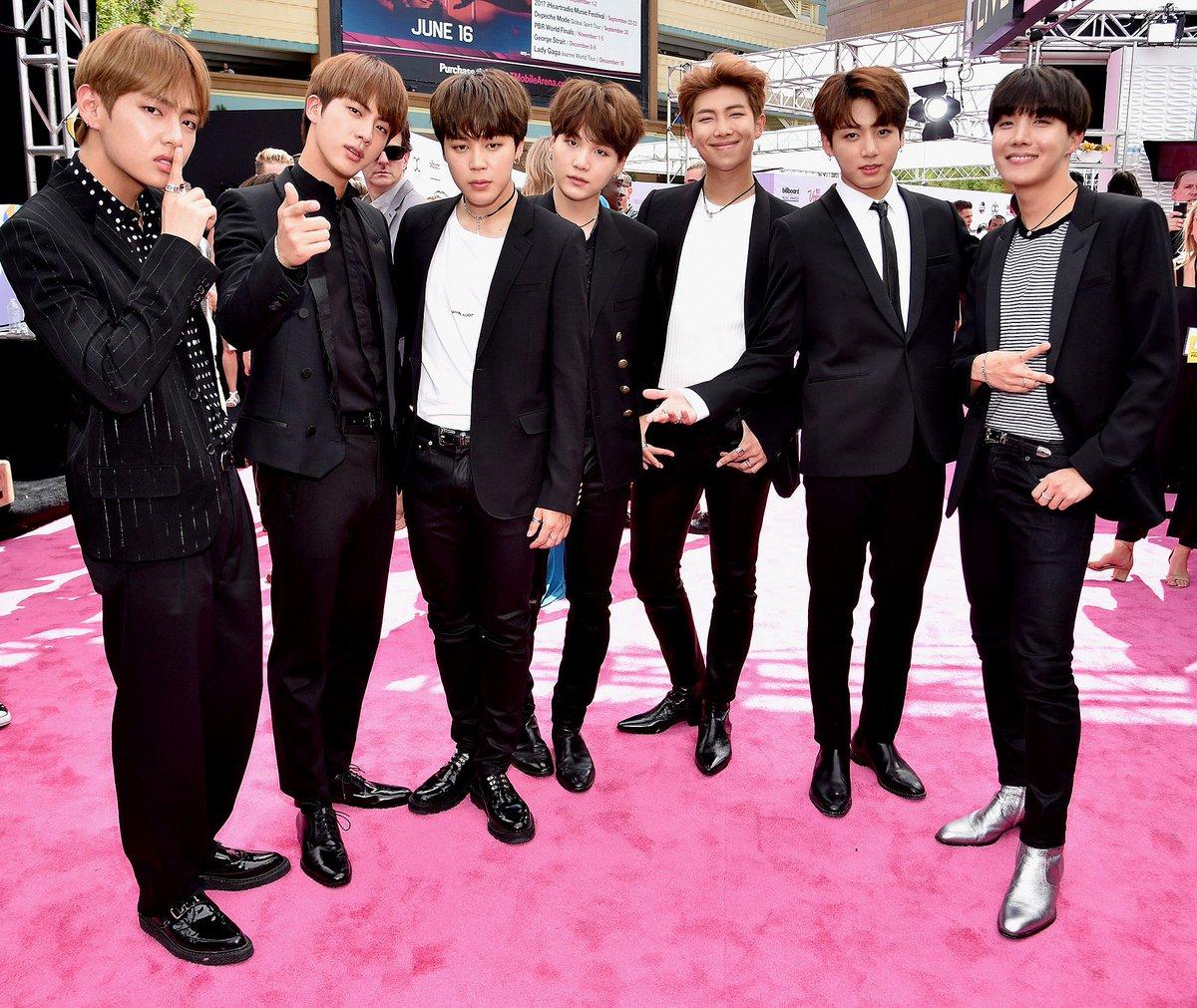 #Kpop band #BTS top @Time's annual list of 'next generation leaders'  https://t.co/U0AK7SetwI @bts_bighit