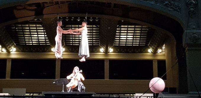 incroyable spectacle en apesanteur #PicassoCircus #PicassoCircus magique Photo