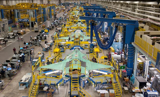 Had a good week discussing sovereign data solutions with Lockheed. On top of that, I saw NLD jets AN-3 through AN-8 in various stages of production at the massive Fort Worth #F35 production line. They&#39;re coming! #airpower<br>http://pic.twitter.com/E336zABGbl