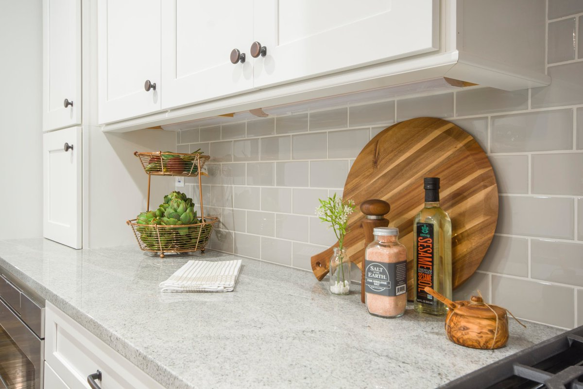 At The Door Maker We Provide Our Customers With Ability To Fully Customize Their Kitchen Cabinet Doors Learn More Https Goo Gl Xccvrs Homereno