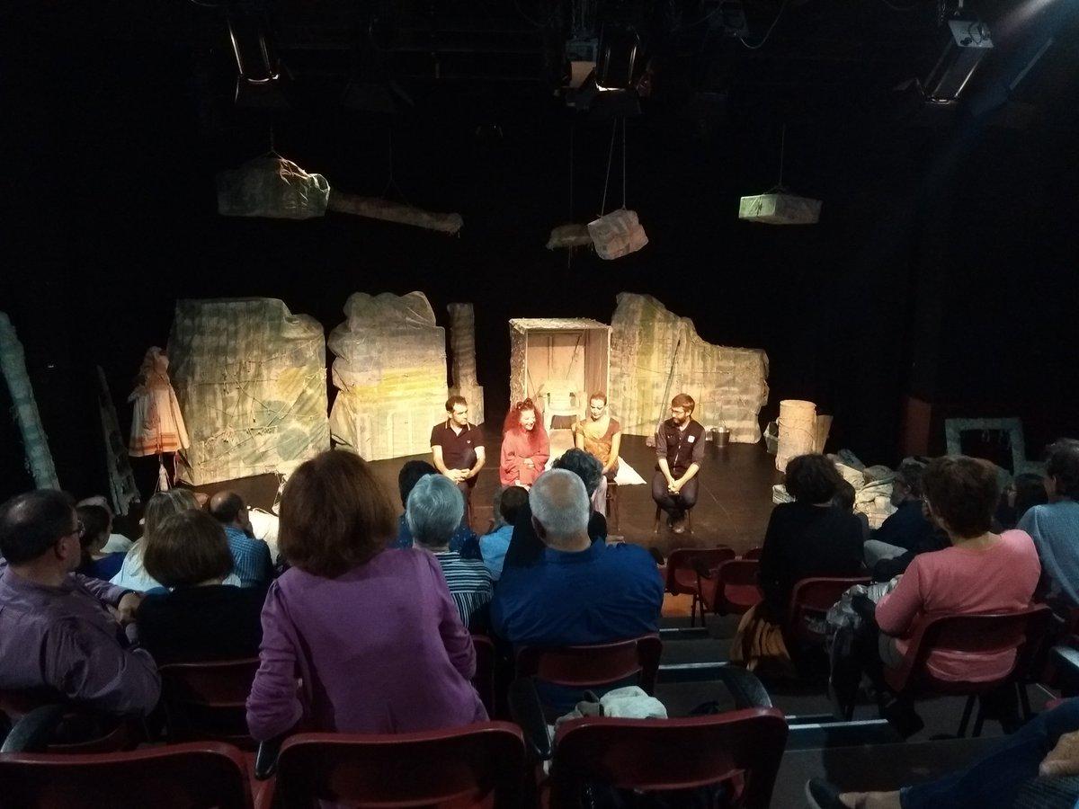 Xerrada post funció del #VeusQueNoVeus al @teatreaurora Ja tenim la pimera funció #VeusQueNoVeusEnProcés Contentes de retrobar-nos amb el públic igualadí.