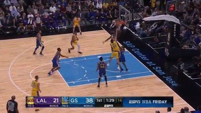 �� Jordan Bell rises to send it back! ��  #NBAPreseason on ESPN2 https://t.co/JcqCWeAYXE