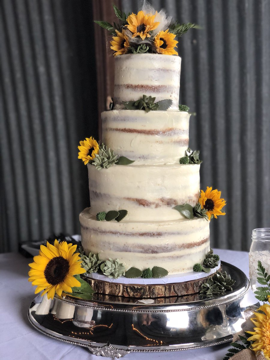 Nachoaguirrem On Twitter Friday Wedding Delivery Almond Apricot Cake Sunflowers And Succulents Weloveourwork Weddingcake Powercouple Delicechocolatier Bettercallnacho Https T Co Afcjv30l13