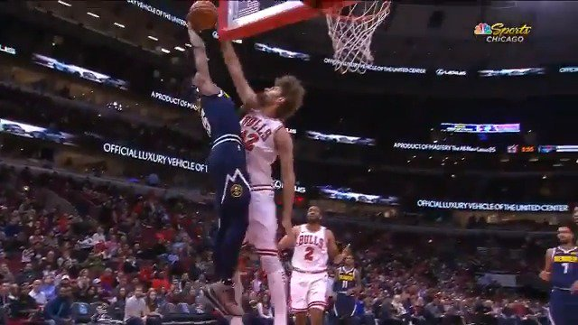 Robin Lopez protects the paint for the @chicagobulls!   #NBAPreseason https://t.co/L24xeLoMDN