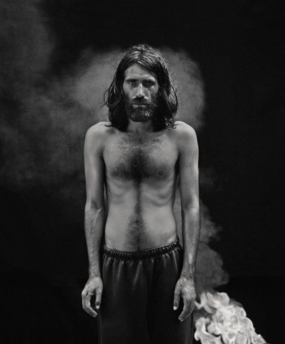 Fantastic news: Iranian photographer Hoda Afshar has won the 2018 Bowness Photography Prize for her portrait of @BehrouzBoochani, who remains detained by the Australian government in Manus Prison. Photo
