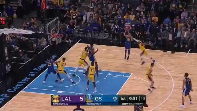 Steph is buzzing around the floor early!   #NBAPreseason on ESPN2 https://t.co/5oQqqnhrND
