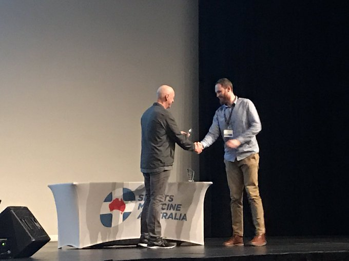 Our friendly statistician data/disco Dave @dlcarey88 picks up the John Sutton Award for best paper - Sports and Exercise Science. @LaTrobeSEM #SMACONF18 👏🏽 Photo