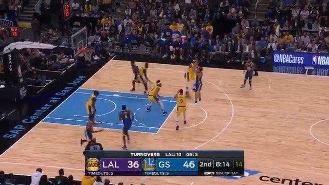 Klay Thompson heats up, tallying 14 PTS in the 2nd quarter! #NBAPreseason https://t.co/sIpPkWbN0n