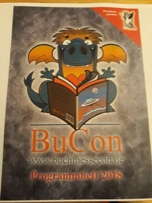 Heute geht es auf den #bucon nach Dreieich. Noch mal schnell das Programm scannen. Foto