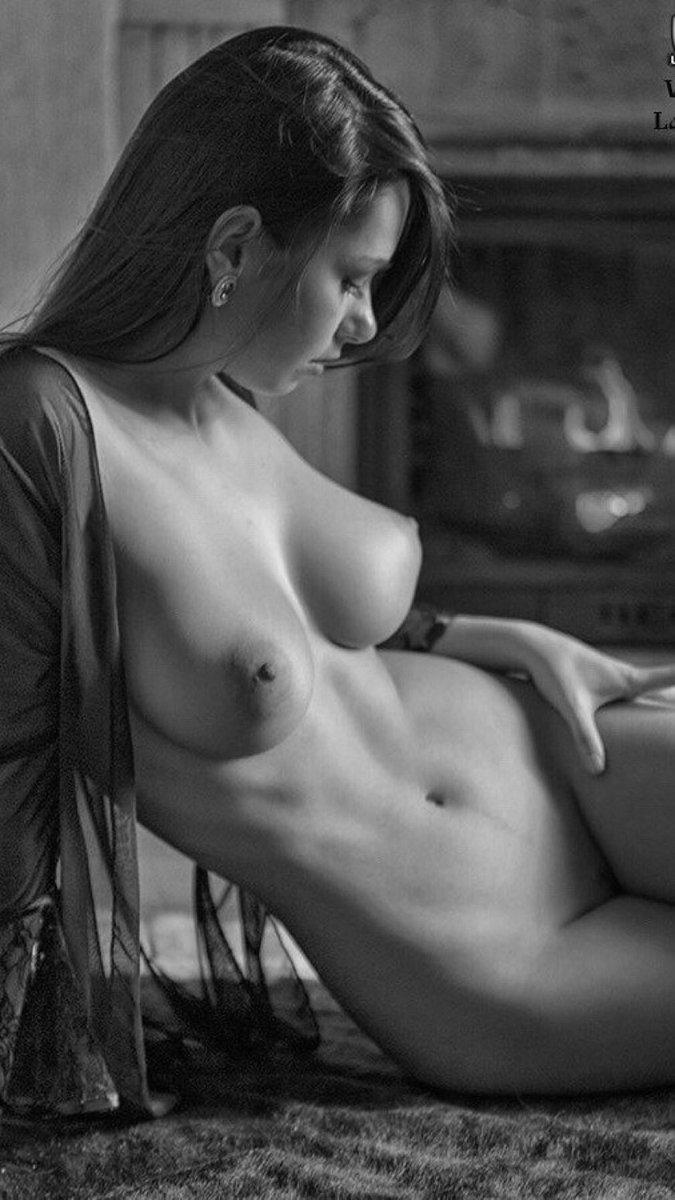 Erotic Nude Women Photos