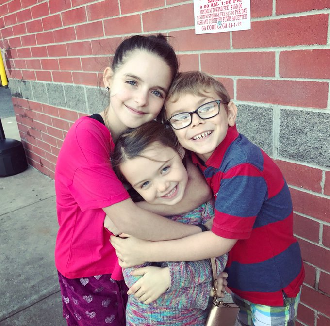 Just finished episode 4 of #TheHauntingOfHillHouse Proud of the littles 🖤 Photo