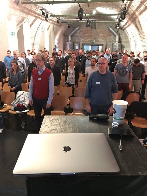 Liked that the audience has good manners at #sitMUC You may now please sit down Foto