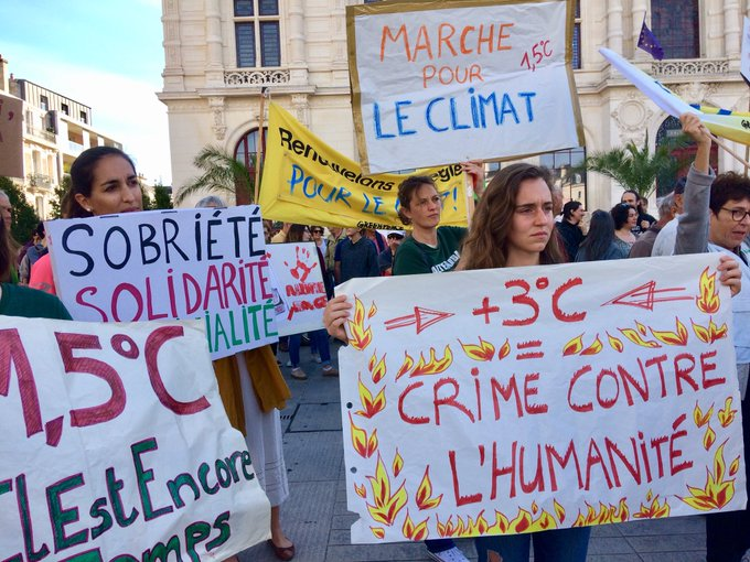 Entre 250 et 300 personnes mobilisées à Poitiers pour cette deuxième #MarchePourLeClimat Reportage @F3PoitouChtes à venir Photo