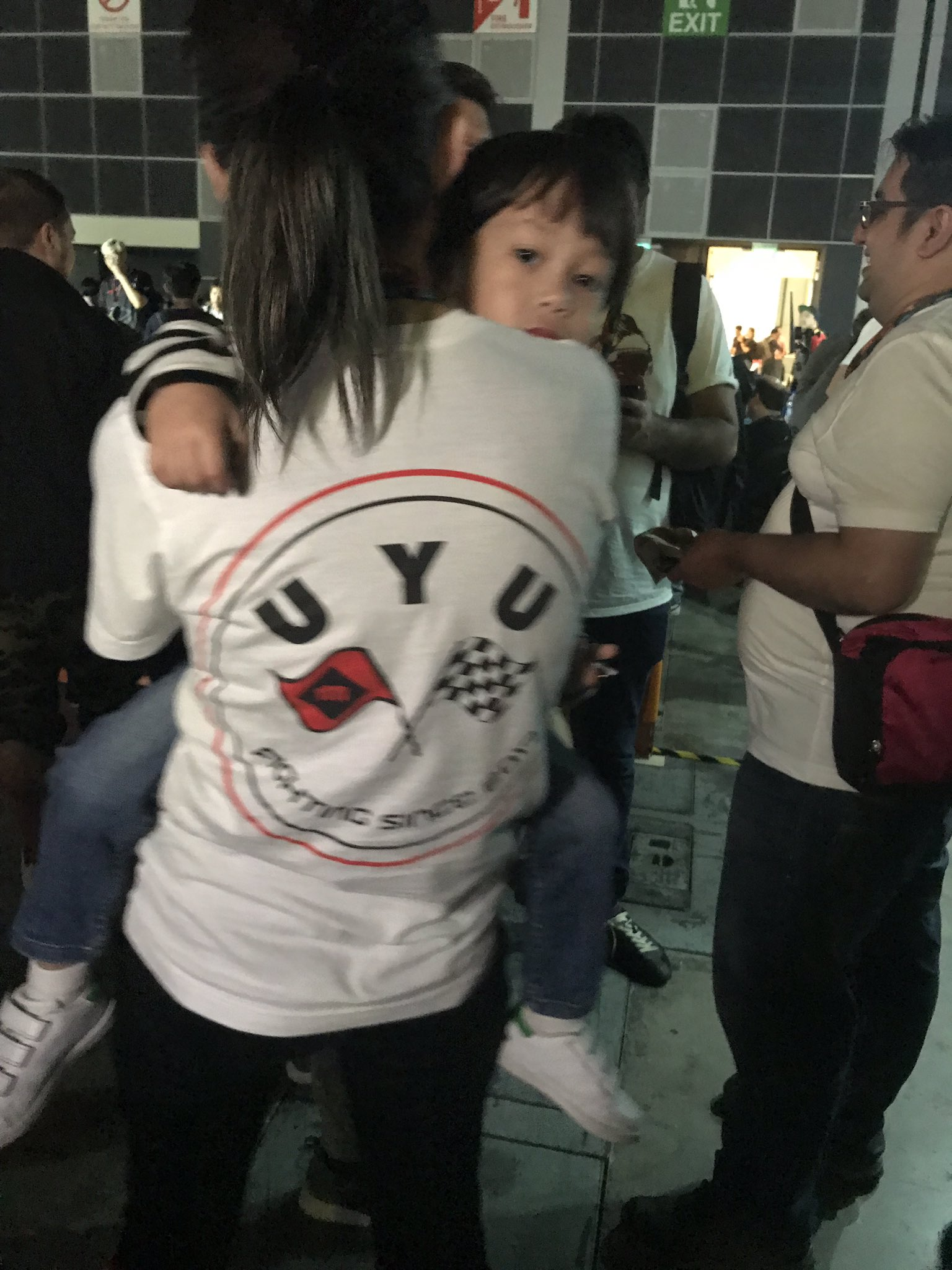 Uyu Jeondding On Twitter Yuyu Fgc Is A Real Mom Feat Ak Younger Brother
