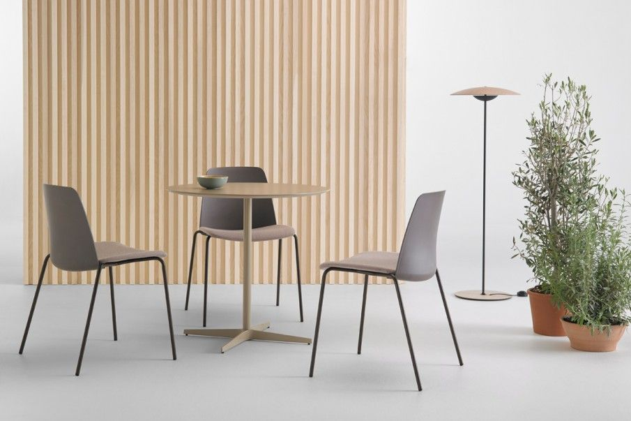 Unnia is one of our most versatile designs, and available in a wide selection of back, frame and seat finishes. Head to the website to design your own unique Unnia  https://t.co/48hS3uJjFq  #createyourown #designer