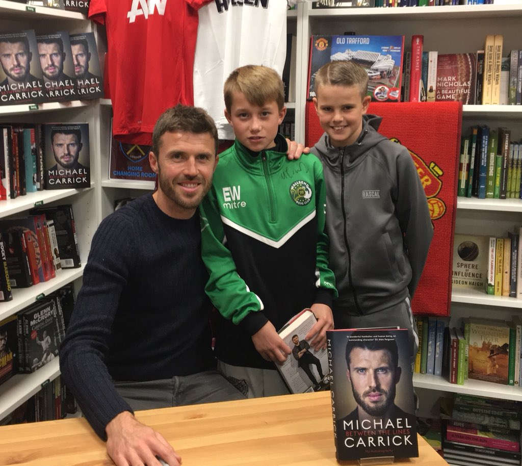 @carras16 @WallsendBoysFC Michael was absolutely brilliant with these two Wallsend boys club players. Top bloke