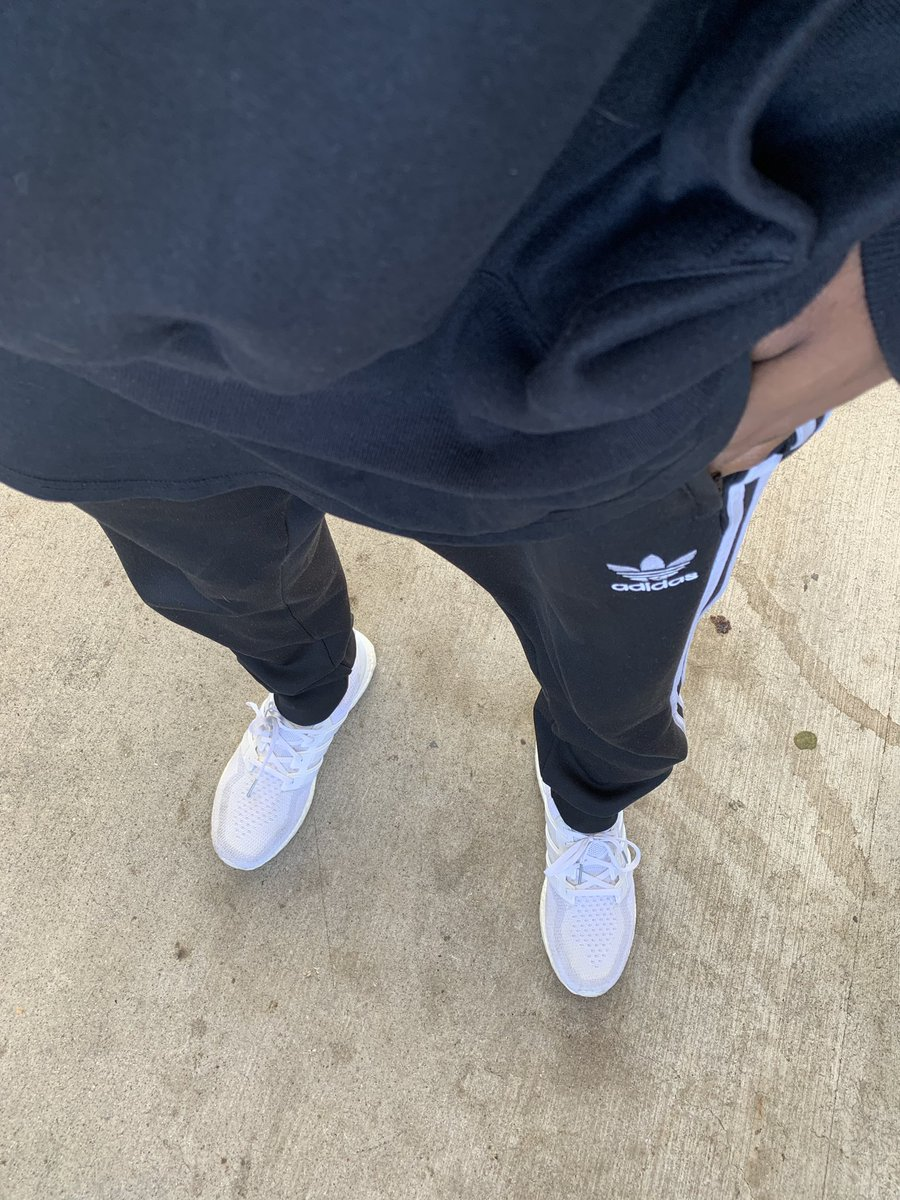 Officially hoodie and tracc pants weather in Atlanta <br>http://pic.twitter.com/QbnnyCcBhN