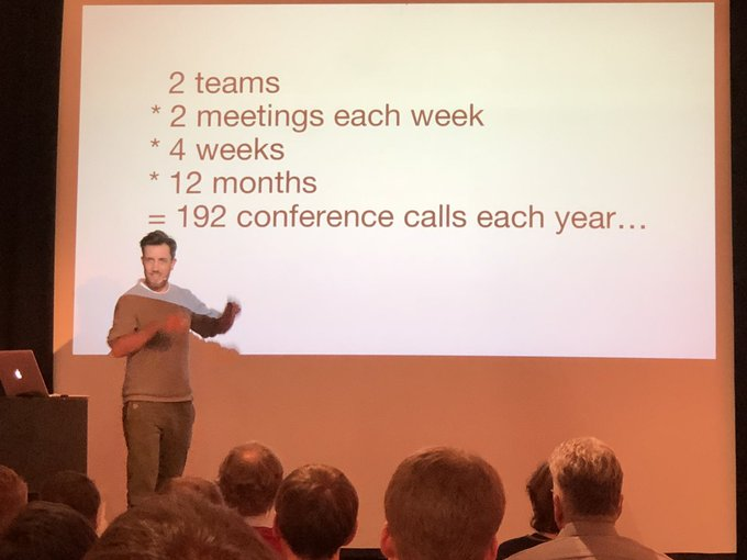 #sitmuc @thomasritter sharing his personal insights on 'Tips&Tricks for making your next conference call more productive and fun' Foto
