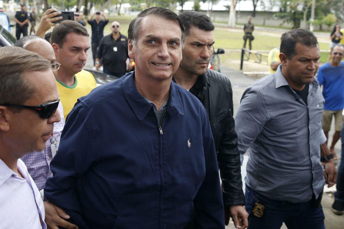 """A violência socioecológica que Bolsonaro pretende fazer uso é tamanha que os produtores rurais mais sensatos estão preocupados com o seu impacto nos negócios. O """"agronegócio teme o radicalismo"""" https://t.co/SCeMPiqGOV"""