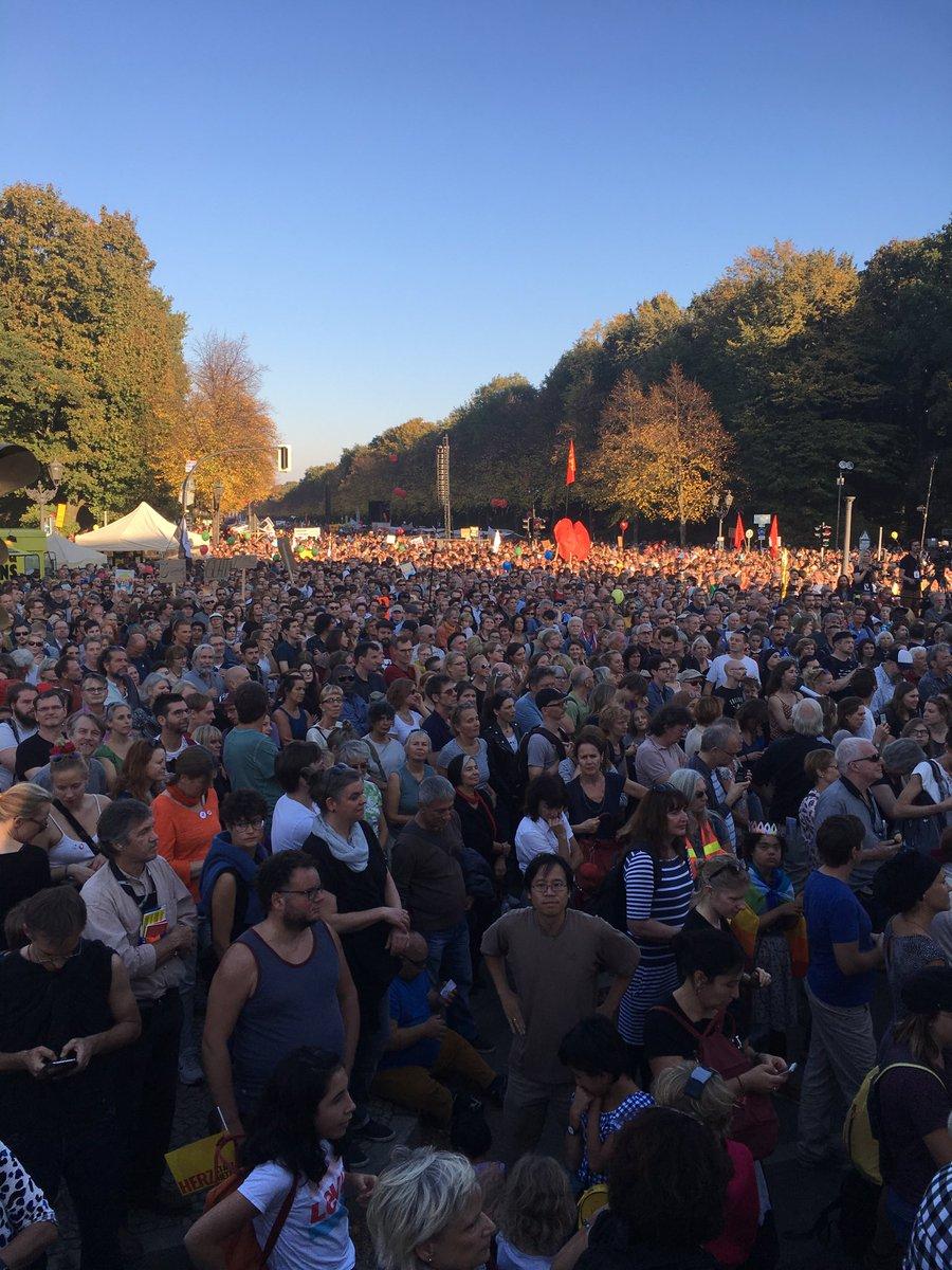 Veranstalter sprechen von 240.000 TeilnehmerInnen in Berlin bei #unteilbar