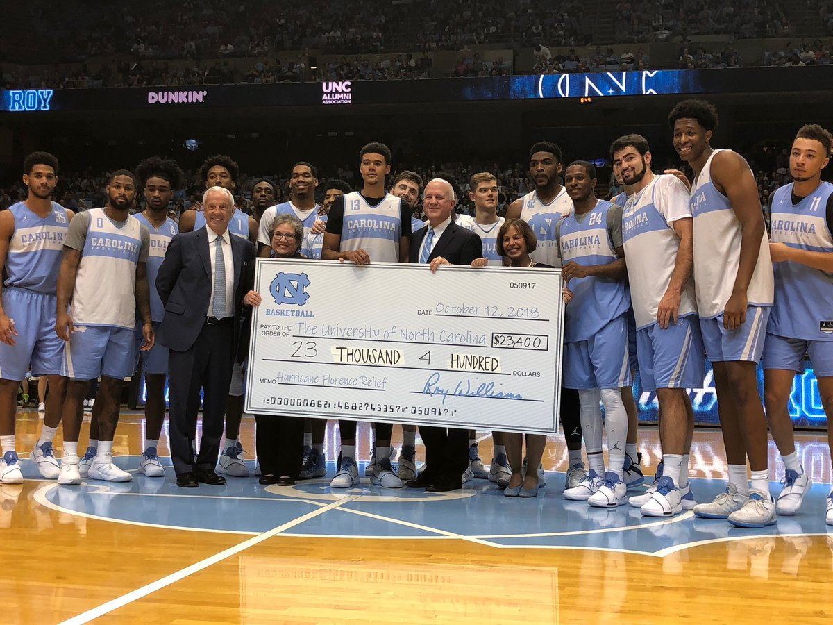 Thank you Coach Roy Williams and @UNC_Basketball who raised $23,400 last night at #LNWR for @UNC's disaster relief fund and the #HurricaneFlorence student emergency fund. #GDTBATH https://t.co/atorROPOj6