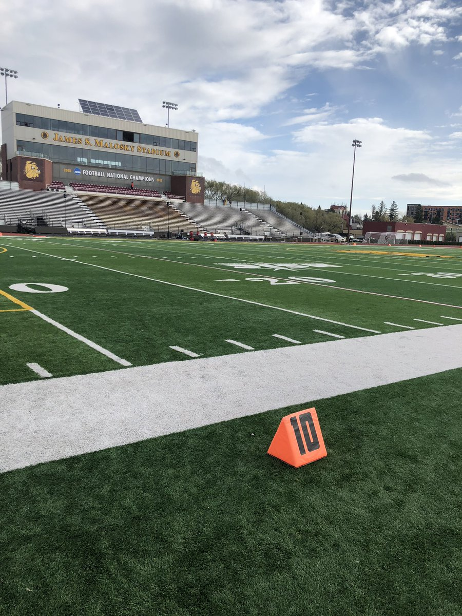 Smsu Football On Twitter Gameday The Stangs Are In Duluth Today