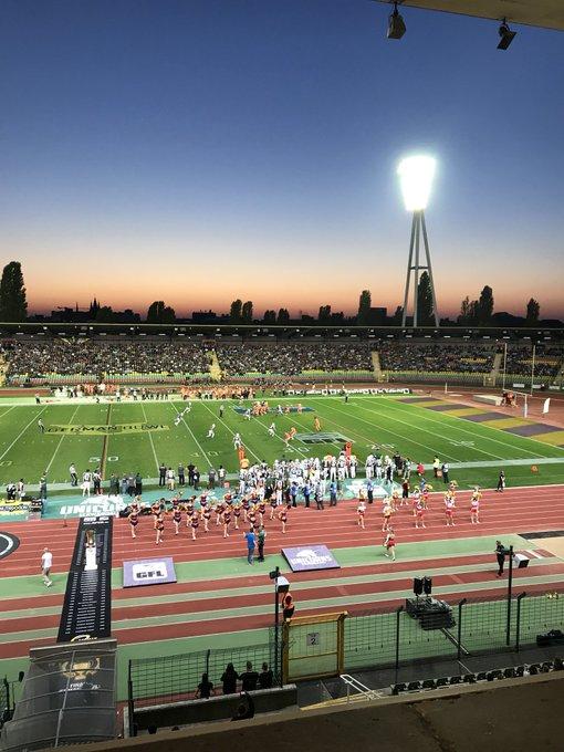American football, German League. @NFL dreamers. #hugecrowd #germanbowl Foto