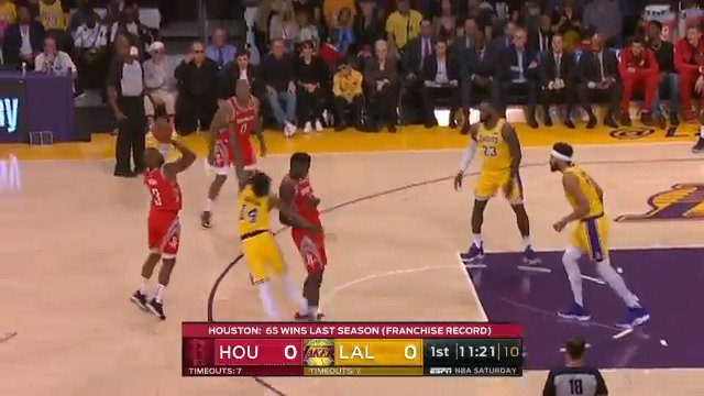 Chris Paul from distance to open play in LA!  #Rockets x #LakeShow   ��: @ESPNNBA https://t.co/qeAISLoBMm